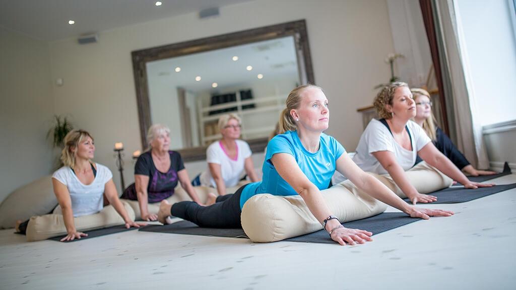 Yin-yoga-1024x576